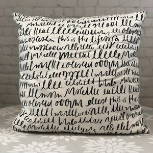 kate spade throw pillow black and white like new